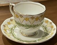 Roslyn Fine Bone Roslyn China Tea Cup Saucer England Laurel 8382