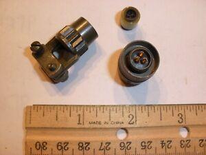 NEW - PT06E 8-3S (SR) - 3 Pin Female Plug