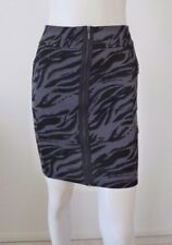 CUE IN THE CITY  Zipper Front Short Skirt Stretch Size 8