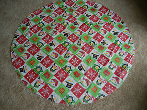 """60"""" ROUND HOLIDAY SNOWMAN PENGUIN PRESENT FLANNEL BACKED VINYL TABLECLOTH"""