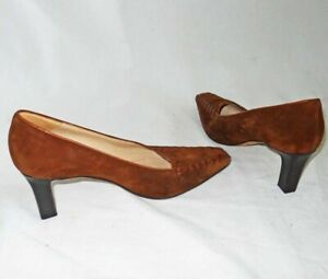 Manolo Blahnik Pumps Stacked Wood Heel Pointy Square Toe Brown Suede Shoes 38