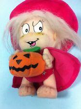 +  Halloween   PELUCHE STREGHETTA CAPPELLO E MANTELLO CON ZUCCA CM.25 SCONTO