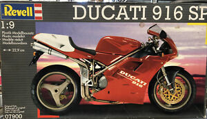 Revell Ducati 916 SP 1/9 Model Kit #16138 Rare W13
