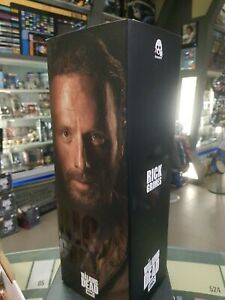 Rick Grimes The Walking Dead Action Figure 1/6 scale Threezero AMC + Stand