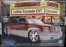 2005 Cadillac ESCALADE EXT, 1:24, REVELL 2092