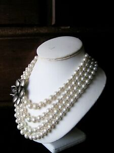 UNKNOWN PERIOD - FAUX PEARL - CERAMIC SILVER TONE ROSE - NECKLACE - LOVELY COND