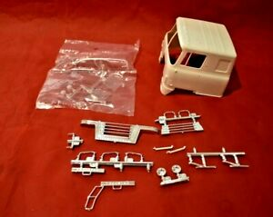 AMT International Transtar CO-4070A Body and Glass Parts 1/25