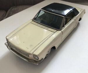 "Vint 1965 BANDAI 8"" Cream 1/24 FORD MUSTANG Hardtop Tin Working Friction Japan"