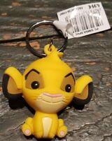 PORTE CLES / Keychain Disneyland Paris PC SIMBA PVC SOUPLE
