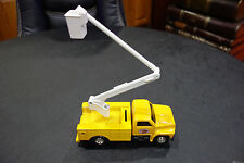 REDDY KILOWATT FLORIDA POWER & LIGHT ERTL DIE CAST 1:34 BUCKET TRUCK BANK