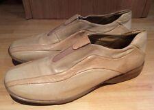 Clarks Standard Width (B) Loafers, Moccasins Flats for Women