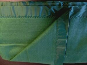 "Chatham Acrylic 106"" x 90"" King/Cal King Emerald Green Blanket! NWOT!"