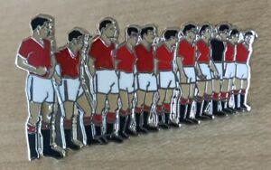 MAN UNITED BUSBY BABES FINAL LINE UP BELGRADE 1958 FOOTBALL ENAMEL PIN BADGE