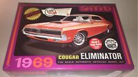 AMT 1969 Mercury Cougar Eliminator White 1/25 model car kit new 898