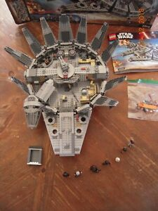 Lego Star Wars Milennium Falcon 75105 100% COMPLETE AS PICTURED WITH BOX