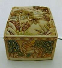 Vintage Harmony Kingdom Picturesque Noah's Hideaway Box w Tile cover