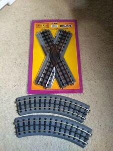 MTH RealTrax 45 Degree Crossing Track, 2 O-54 Curved Track pieces, solid, used
