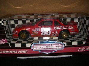 1/18 ERTL 1995 Nascar #95 Tim Richmond Old Milwaukee Lumina