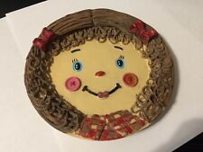 """HOME DECORATIVE 5""""  PLATE GIRLS FACE BOW  & BUTTONS  BROWN HAIR"""