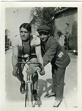 PHOTO snapshot un coureur cycliste en tenue avec son vélo CA 1910 cyclisme