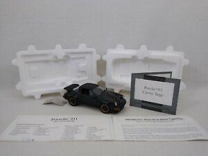 Franklin Mint 1:24 Porsche 911 Carrera Targa Boxed with Original Paperwork