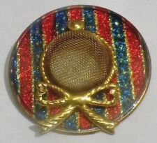 broche bijou vintage chapeau feuille métal couleur or couleur sous vernis * 4764