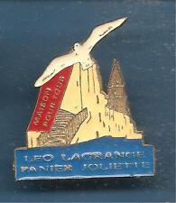 Pin's pin MARSEILLE MAISON POUR TOUS LEO LAGRANGE PANIER JOLIETTE (ref L05)