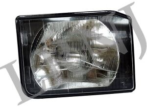 LAND ROVER DISCOVERY 2 GENUINE HEADLAMP ASSEMBLY RH- PASSENGER SIDE XBC105140