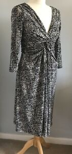 PHASE EIGHT Size 10 Black White Wiggle Dress Ladies Comfy Xmas Party Night Out