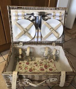 Wicker Picnic Basket Hamper Cutlery Glasses Plates Napkin 4 Persons 24pc NEW