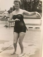 Vintage Hula snapshot photo Pin Up Girl Pool Original D3