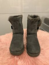Uggs Bailey Button Size 7