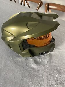 Halo 3 legendary edition master chief helmet with stand *NO GAME*