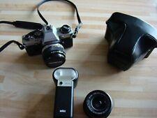 MINT olympus om10 film camera plus vivitar 28mm f2.8lens and flash