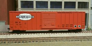 """HO Atlas DELTA VALLEY & SOUTHERN FMC 50"""" Box Car WITH KADEES ADDED"""