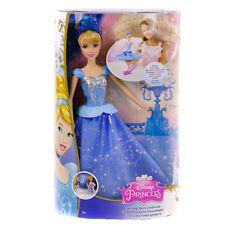 Muñeca Disney Princesa Cenicienta girando la falda CHG56
