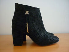 """WOMEN'S """"NUDE"""" BLACK LEATHER ZIP UP ANKLE HEEL BOOTS W/SHIMMERY DESIGN - SIZE 36"""