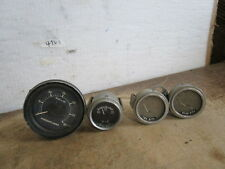Assorted Gauges REAR & FWD Differincal Gauge & Freight-liner RPM x100