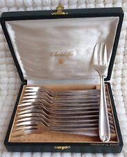 """12 fourchettes à gâteaux Christofle modèle """"coquille Bérain"""" métal argenté"""