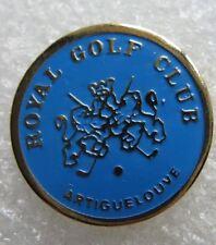 Pin's Sport Royal Golf Club Ville de ARTIGUELOUVE Logo Ecusson Lion  #902