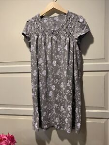 Croft & Barrow NightGown Size Large  Short Sleeve Gray And White Floral