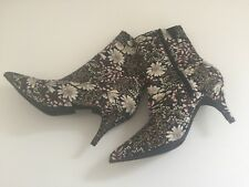URBAN OUTFITTERS UO BOOTIES with FLORAL PRINT is NEW without BOX: Size 9