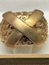 Yellow Gold textured band with an X wide Band 14K Italy AR 1758