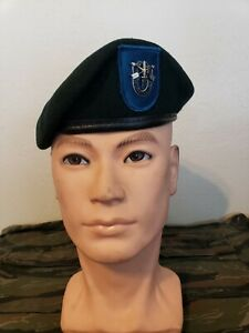 US Army 19th Special Forces Group Green Beret  Dated 1999 size 6 7/8