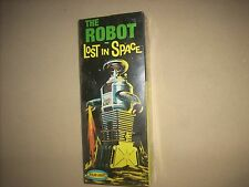 THE ROBOT from LOST IN SPACE KIT, SEALED !!