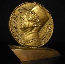 Médaille en bronze sur socle  Général de Gaulle par Jaeger 1564g 105mm  Medal
