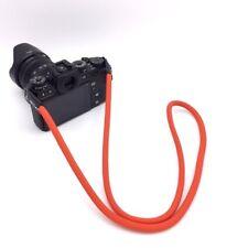 Caruba Tracolla in corda rossa moderna e resistente per fotocamere reflex e mirr