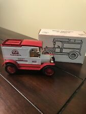 """ERTL Flav-O-Rich 1913 Model """"T"""" Delivery Truck Bank New"""