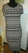 BLACK/WHITE STRETCH DRESS SIZE 18