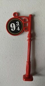 Lego Harry Potter Red 9 3/4 Sticker Lamp Post Part x222pb06 / 2039 R:D85
